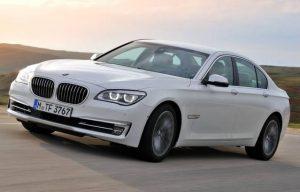 BMW elektriskā ūdens sūkņa izplūdes metode
